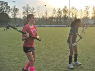 Merel en Tessa - Bennebroek - Nov 2011